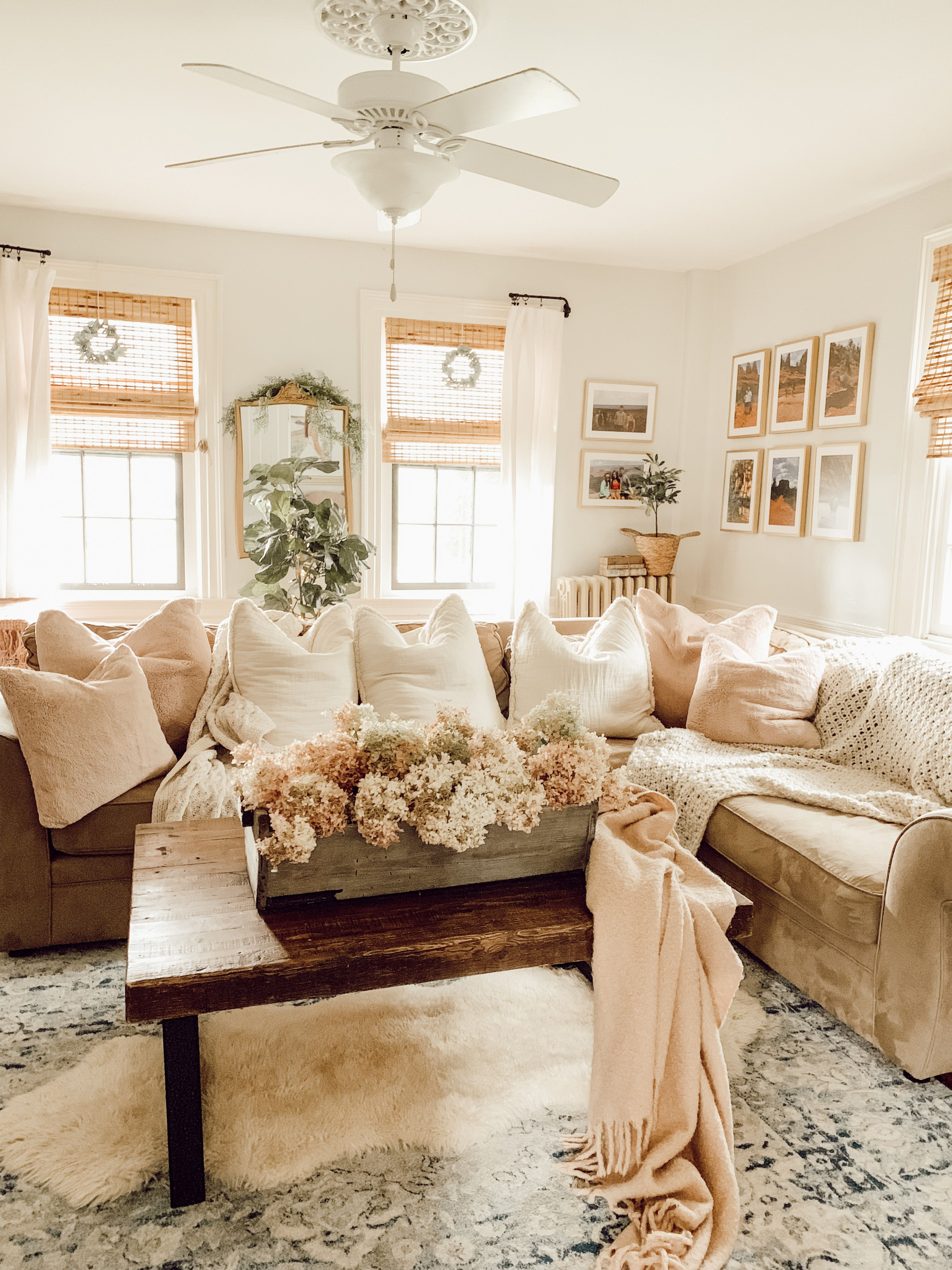 #family oom #kidsroom #cozylivingroom #cottagestyle #potterybarn #sectional #rugsinlivingroom #pillows #fixerupper #familytime #familyfriendly