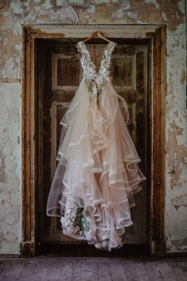 Ivory bridal floral dress Inga Ezergale design Ros