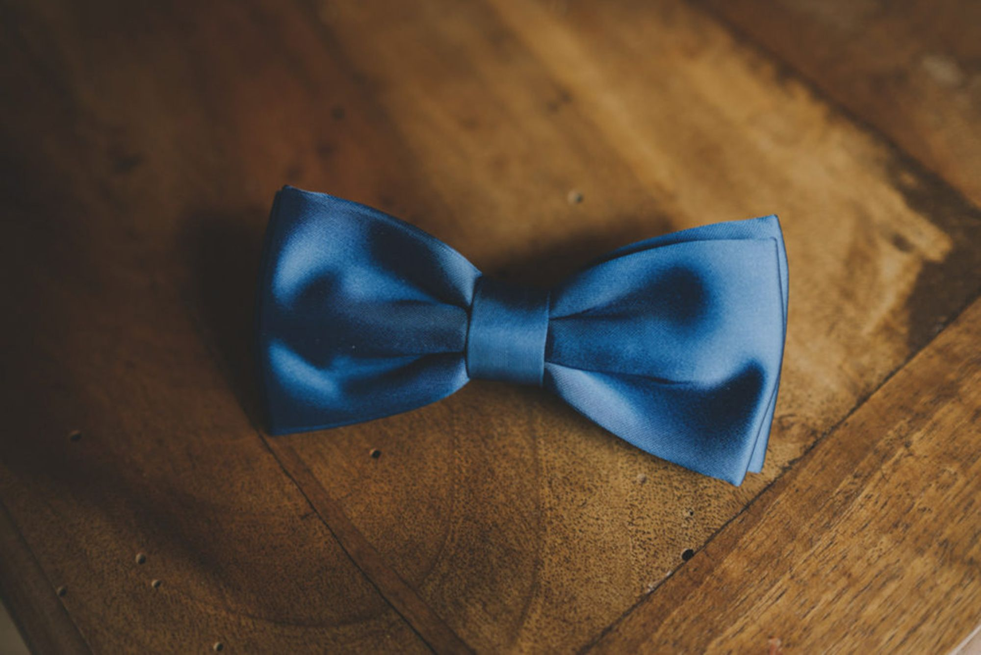 Classic Blue Bow tie Scocca Papillon. Color of the Year 2020 Pantone. Shop: www.scoccapapillon.etsy.com. Ph.www.matrimoniallitaliana.com - #Pantone2020 #ClassicBlue #Bowtie #ScoccaPapillon #ColoroftheYear2020 #pantone #pantoneclassicblue #color2020 #menswear #lifestyle #lifestyle2020 #trends2020 #colortrend2020 #colortrends2020 #colortrend #etsy #mensfahion #mensstyle #madeinitaly #moodboard #moodboardwedding #moodboard2020 #colorinspiration2020 #colorinspiration #classicbluewedding #wedding2020