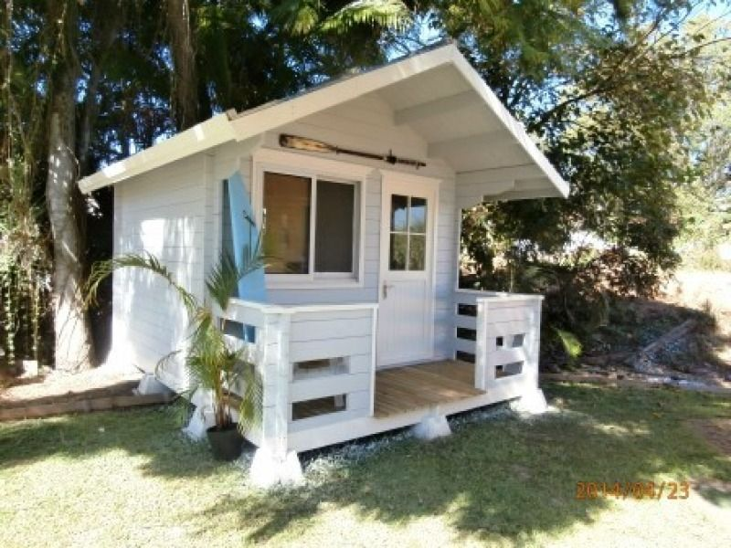 Cabin life affordable housing gallery build yourself for Affordable cottages to build