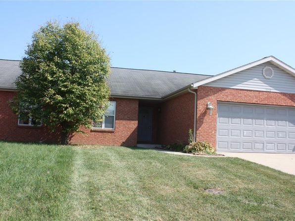 1026 Cool Valley Dr Belleville Il 62220 Zillow Renting A House Townhouse For Rent Waterfront Homes