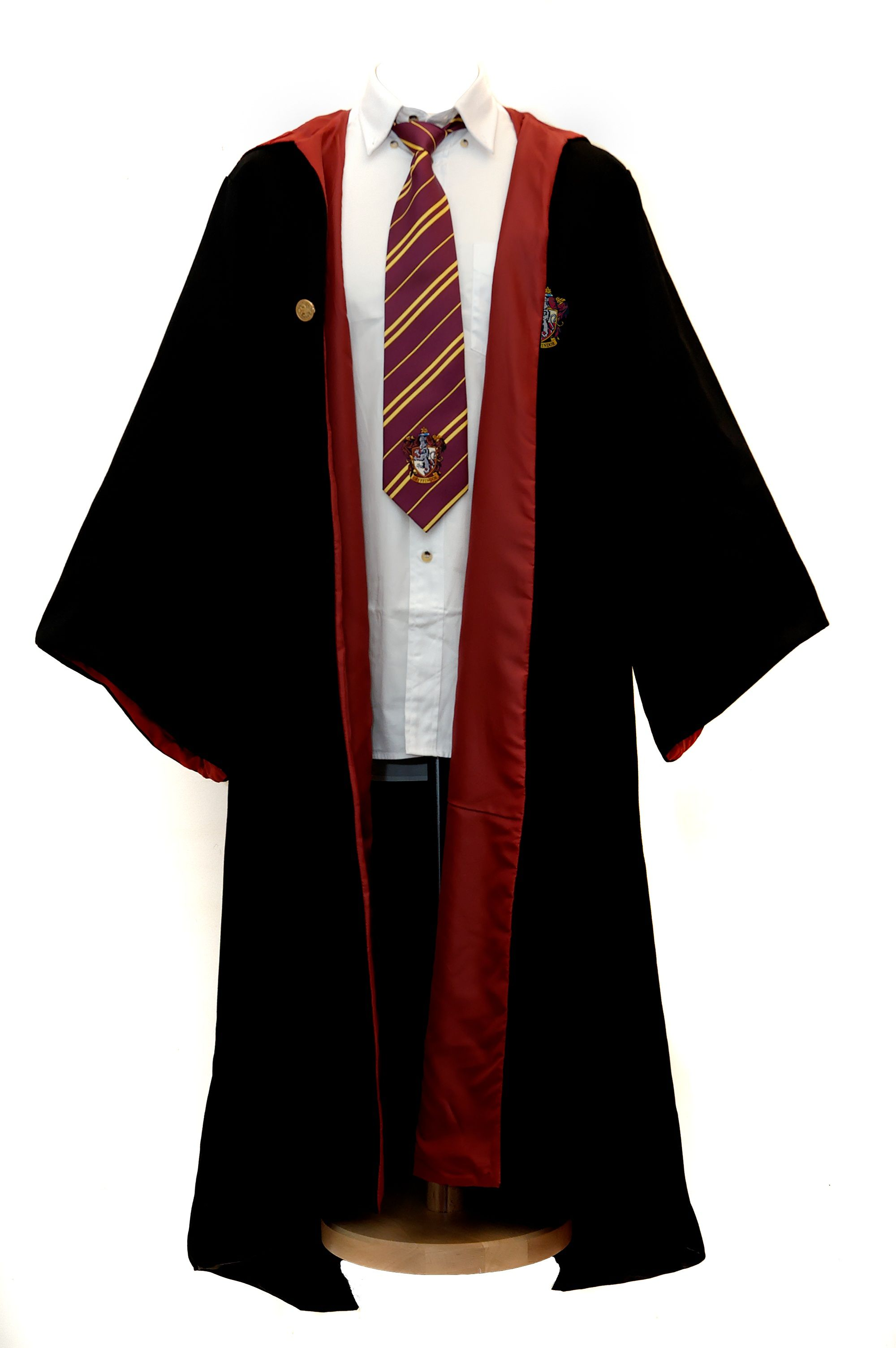 Harry Potter Wizard Robe Cloak Gryffindor The drawing of this dress ...