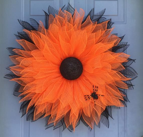 Halloween wreath, front door wreath, sunflower wreath, orange and black sunflower wreath, halloween #halloweenwreaths