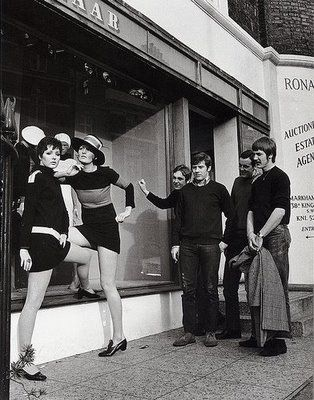 Bazaar Mary Quant S First Shop 138a King S Road Opened In 1955 Mary Quant 1960s Fashion Swinging London