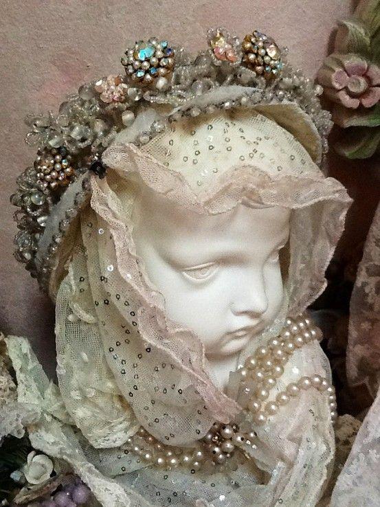 Antique tiara!! ♥