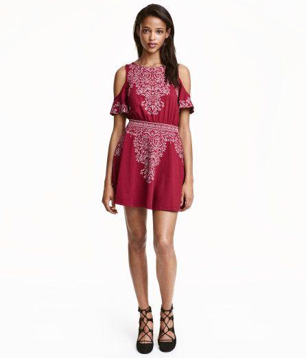 9f9bd6c4433f Open-shoulder Dress   Dark red   Ladies   H M US   Style   Pinterest ...