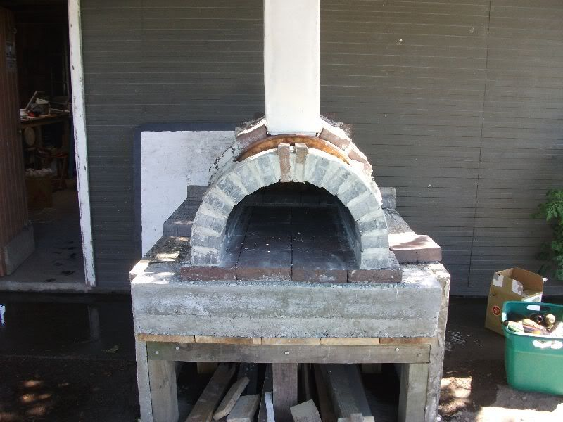 Hi Everyone First Off I M Basing My Pizza Oven On Minesamojito S Oven All Credit To Him Found His Website And Loved The Idea Forno Tijolo Forno A Lenha