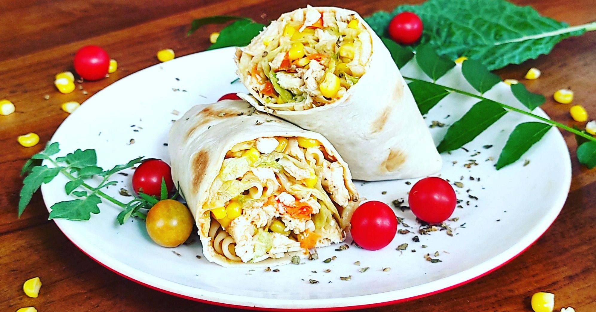 Salad Wrap Chicken In 2020 Salad Wraps Chicken Wraps Food
