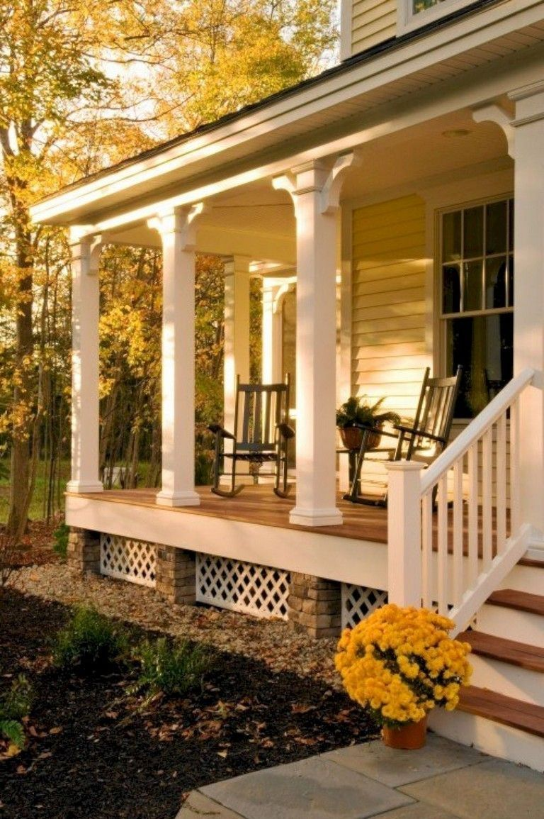 44 Pretty Farmhouse Front Porch Decorating Ideas #fallfrontporchdecor