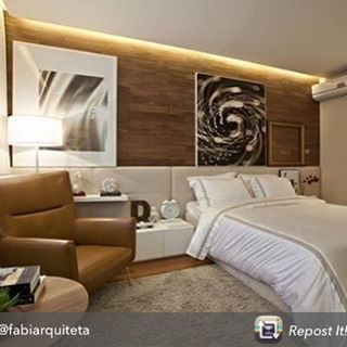 Repost from @fabiarquiteta using @RepostRegramApp - Cabeceira estofada by @estofadoswg e projeto by @fernandamarquesarquiteta. Lá no blog, tem post sobre cabeceiras estofadas! Vai lá www.fabiarquiteta.com  #bedroom #cabeceira #quarto #suite #homedecor #arquiteta #blogger #inspiration #photo #instagram #interiordesign #like #instalike #arquitetura #architectureporn #arquiteta #instagood #decoration #decor #blogfabiarquiteta #instabest #fabiarquiteta