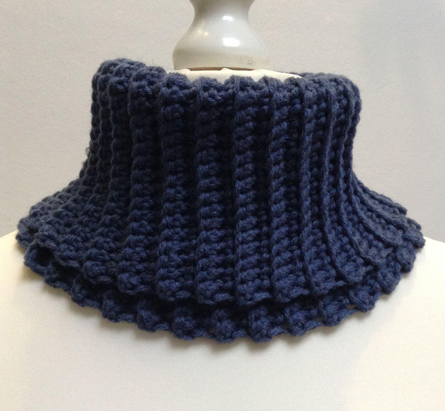 Col roulé au crochet, bleu pétrole, en laine et acrylique, unisexe   Echarpe,  foulard, cravate par titlaine 53634e3bbc1