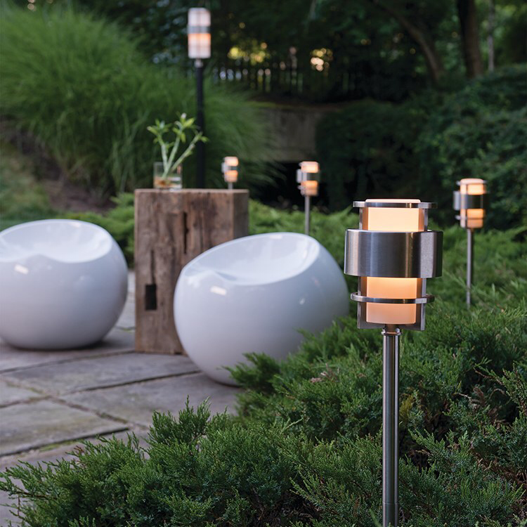 Saturn 12 Volt Single Light Landscape Path Light In 2020 Modern Landscape Lighting Smart Outdoor Lighting Landscape Lighting