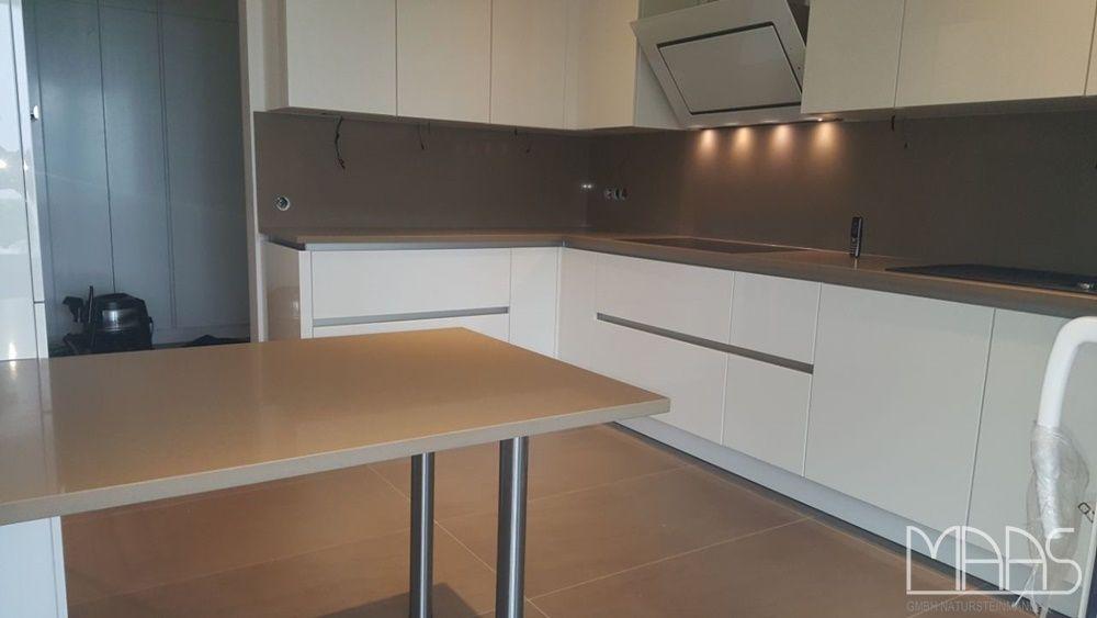 Wer es bescheiden mag, wird sich garantiert in diese Küche - arbeitsplatten für die küche