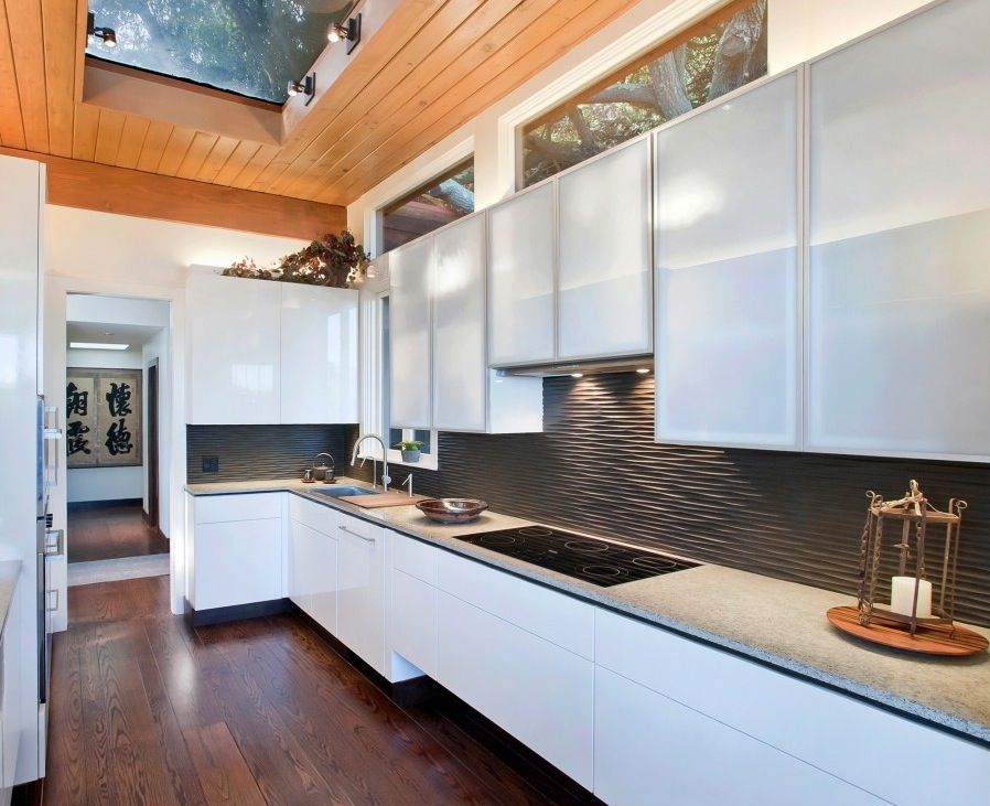 Unusual Black Graphic Wavy Kitchen Backsplash Ideas And Frosted Glass  Kitchen Cabinet Plus Wooden Ceiling Design
