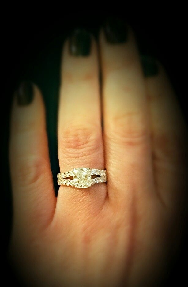 With this ring I gave her a symbol of my love!