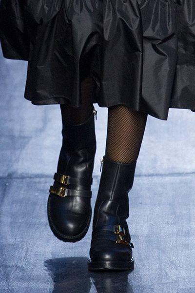 747b7617d Sapatos Christian Dior Outono Inverno 2017/2018 Christian Dior Shoes, Boots  2017, Moto