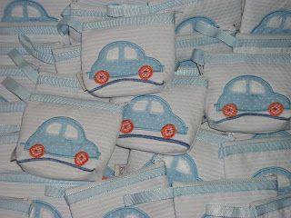 Acessórios em patchwork e lembranças artesanais personalizadas: Lembrança para maternidade - Carrinho