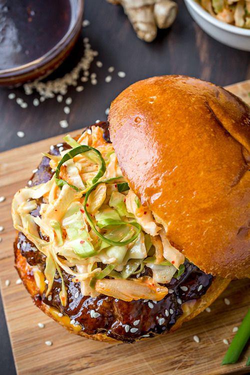 Korean Bbq Burger With Kimchi Slaw Med Billeder Madopskrifter Foodies Mad Ideer