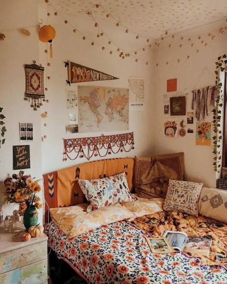 31 Modern Retro Vintage Style Bedroom Ideas Bedroomdecor Bedroomdesign Bedroomideas Beautif Luxury Dorm Room College Dorm Room Decor Dorm Room Wall Decor