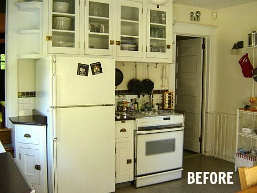 Before After Jennifer S Cottage Kitchen Makeover Hooked On Houses Small Cottage Kitchen Bungalow Kitchen Cottage Kitchens