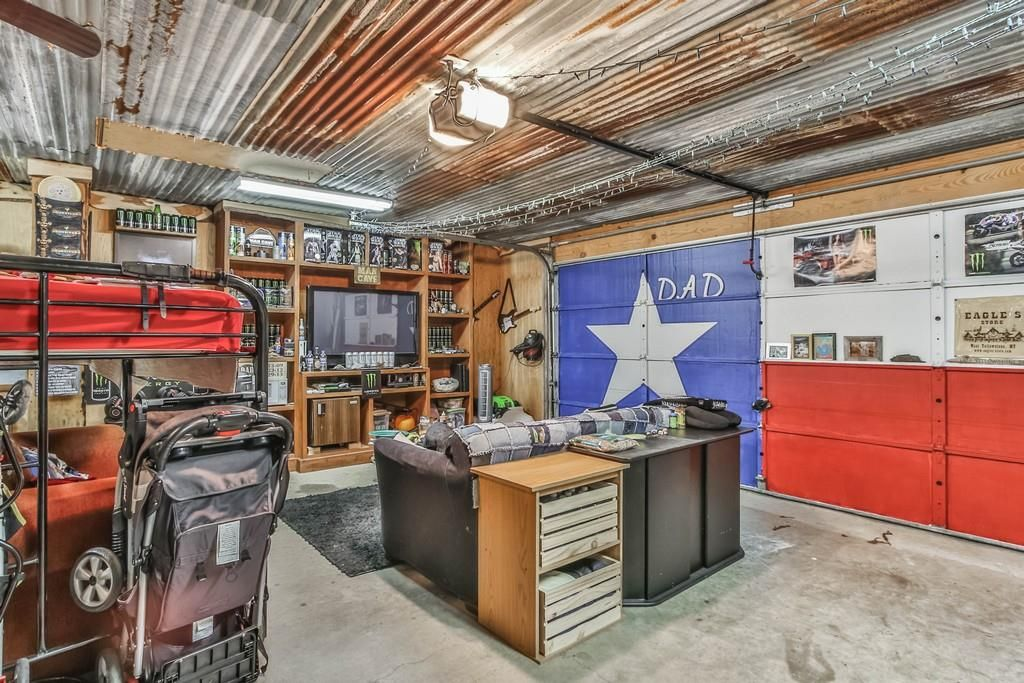 Tin Roof Idea With Split Man Cave And Bench Also I Like The Door Ideas Mens Room Decor Man Cave Garage Garage Design