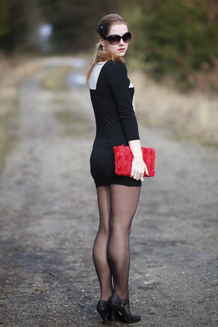 Girls wearing young pantyhose very