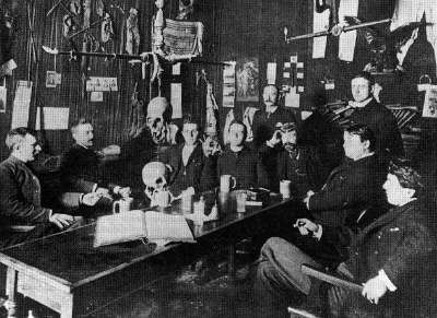 The Whitechapel Club in Chicago, founded in 1889 and named after the London site of some of the crimes of Jack the Ripper