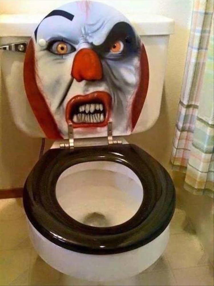 That oughta scare the shit right outta ya Ka-reepy! Pinterest - halloween bathroom sets