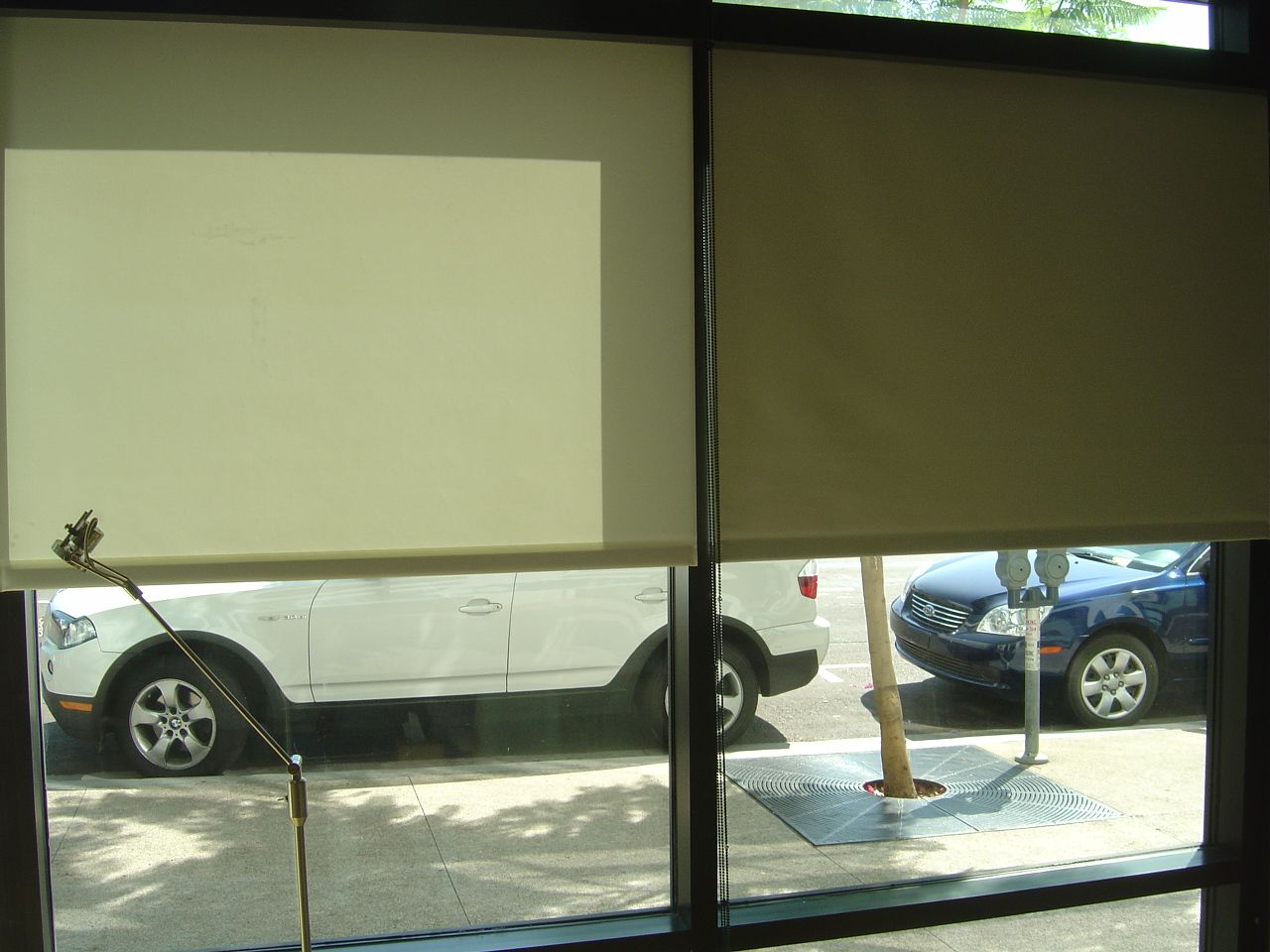 Privacy And Blackout Roller Shades 01 Blackout Roller Shades Blackout Window Treatments Window Coverings
