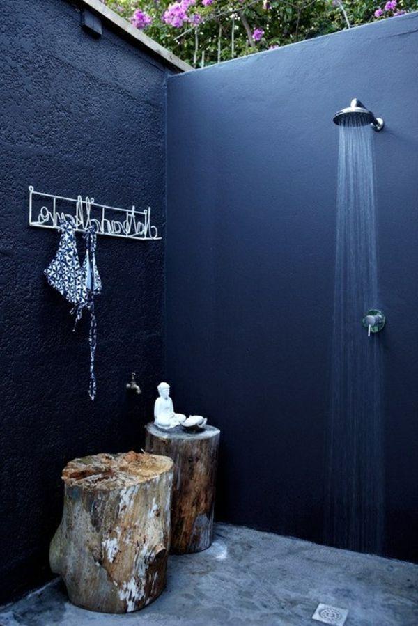 Le modèle de salle de bain extérieur- pureté pour l\'esprit et le ...
