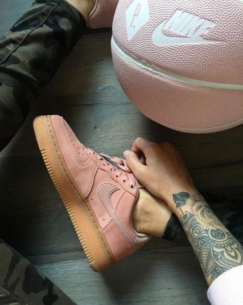 uk availability 36c0b cb052 Nike Air Force 1  07 LV8 Suede PARTICLE PINK AA1117-600