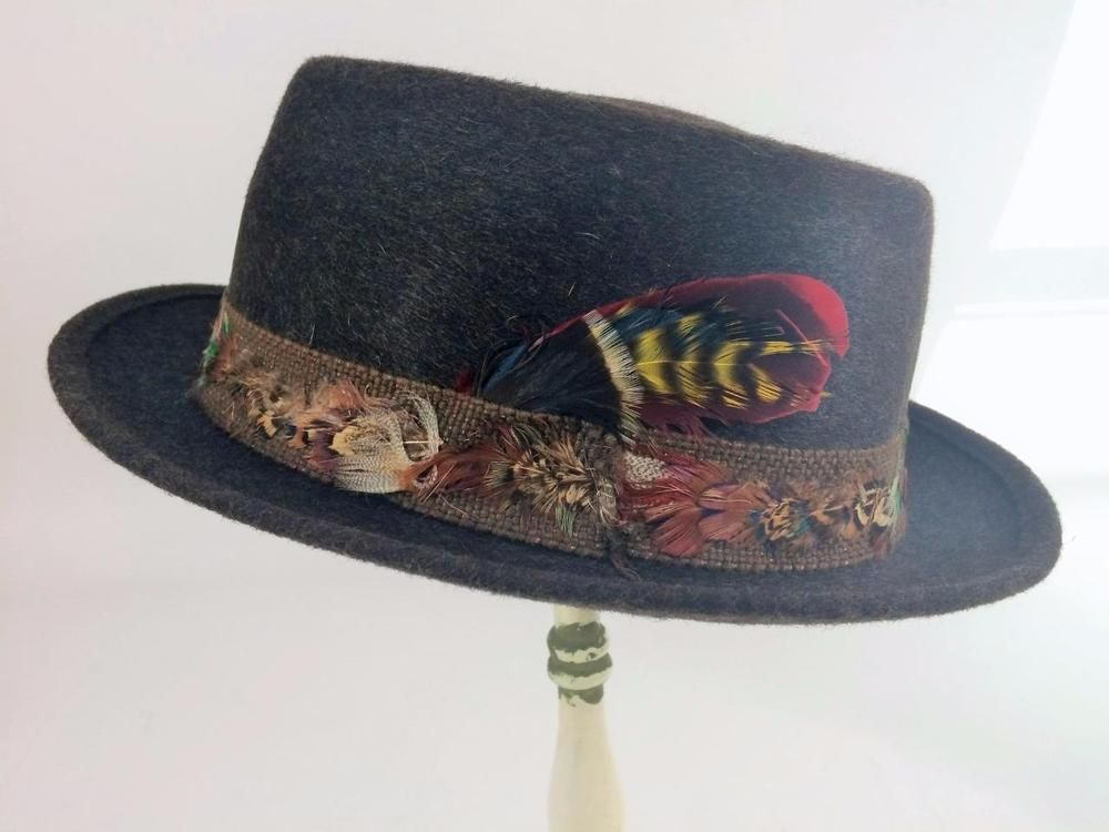 2a472571005 Mens or Unisex Vtg Pilgrim 1950 s Fedora Rockabilly Wool Hat Feather Band  Syl-Mer Sz Small