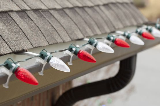 How To Hang Christmas Lights On Gutters Christmas Lights Etc Hanging Christmas Lights Best Christmas Lights Christmas Lights