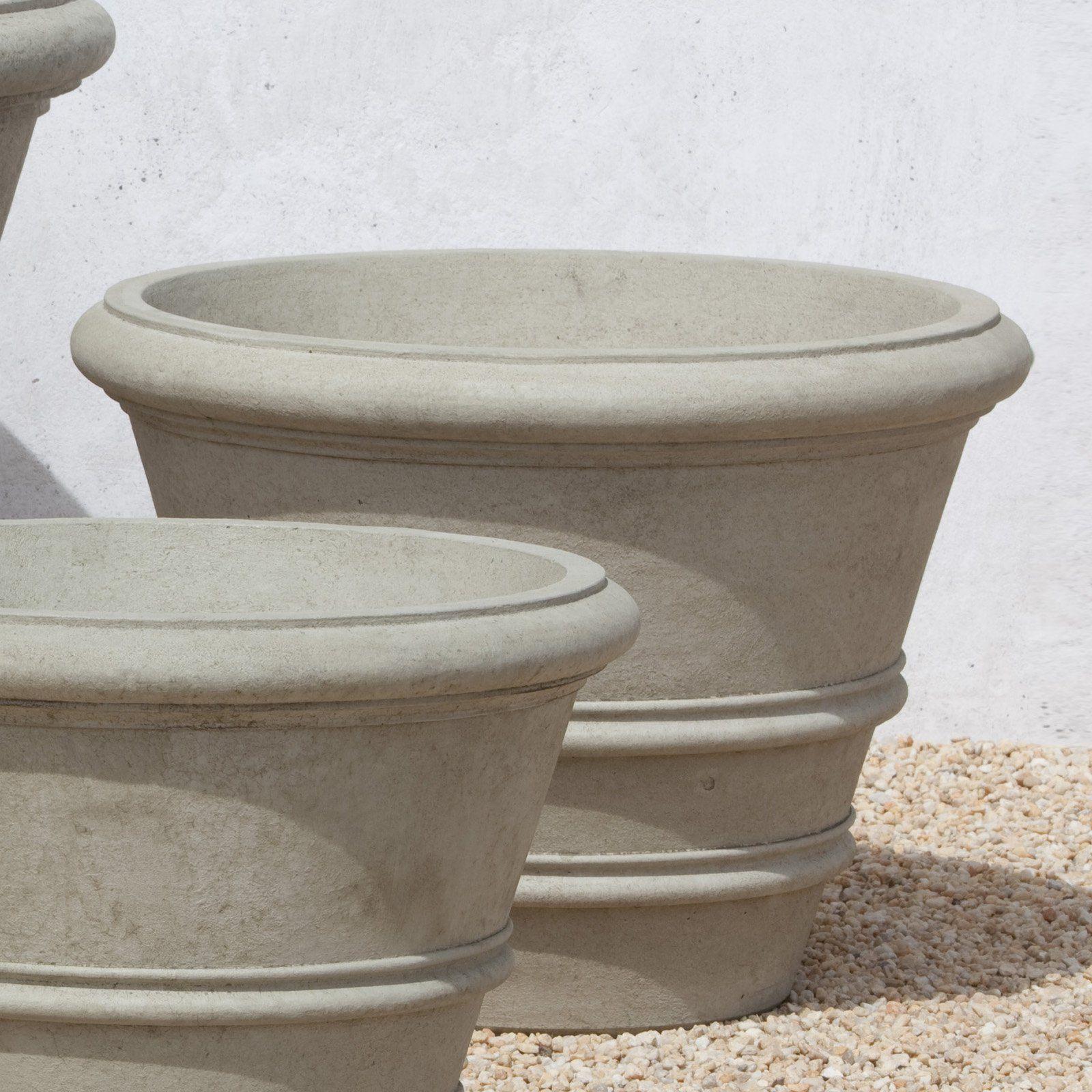 Campania International Classic Rolled Rim Cast Stone Planter 27 In Stone Planters Cast Stone Campania International