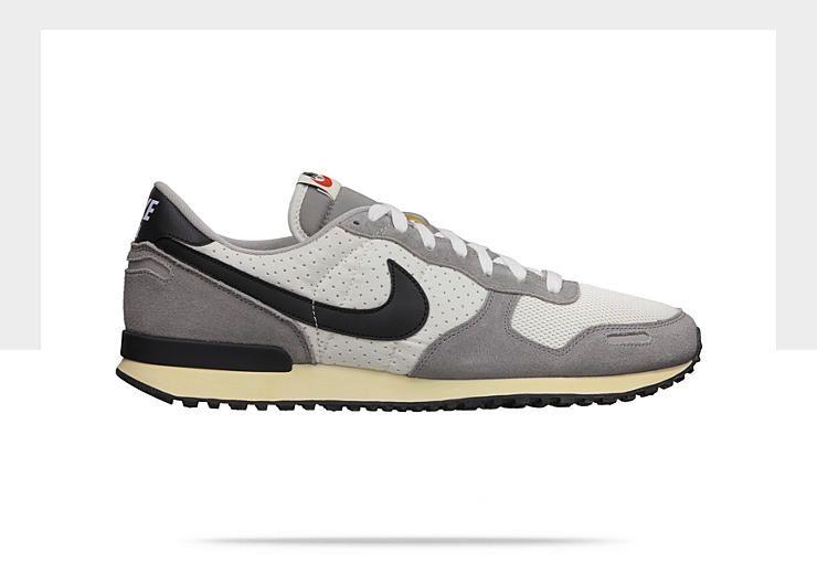 Nike Air Vortex Vintage Men's Shoe. Nice vintage styling.