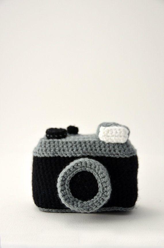 Photo Camera Crochet Pattern - Vintage Lomography Style Camera ...