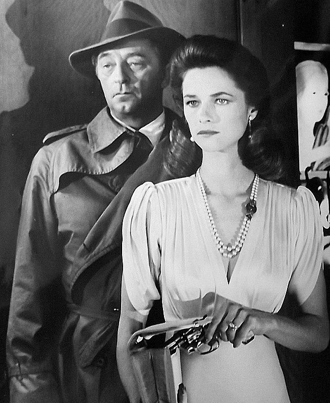 Robert Mitchum and Charlotte Rampling in Farewell, my lovely directed by Dick Richards, 1975