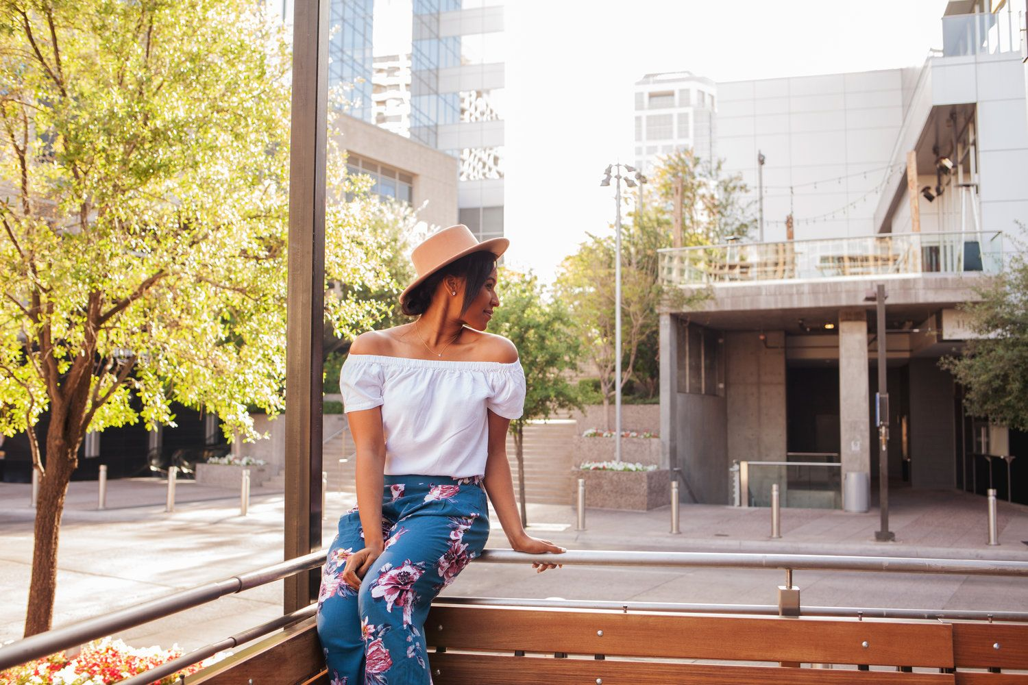 Diana Avalos Photographs, this blogger has the cutest outfits ever! #ootd #summer #florals