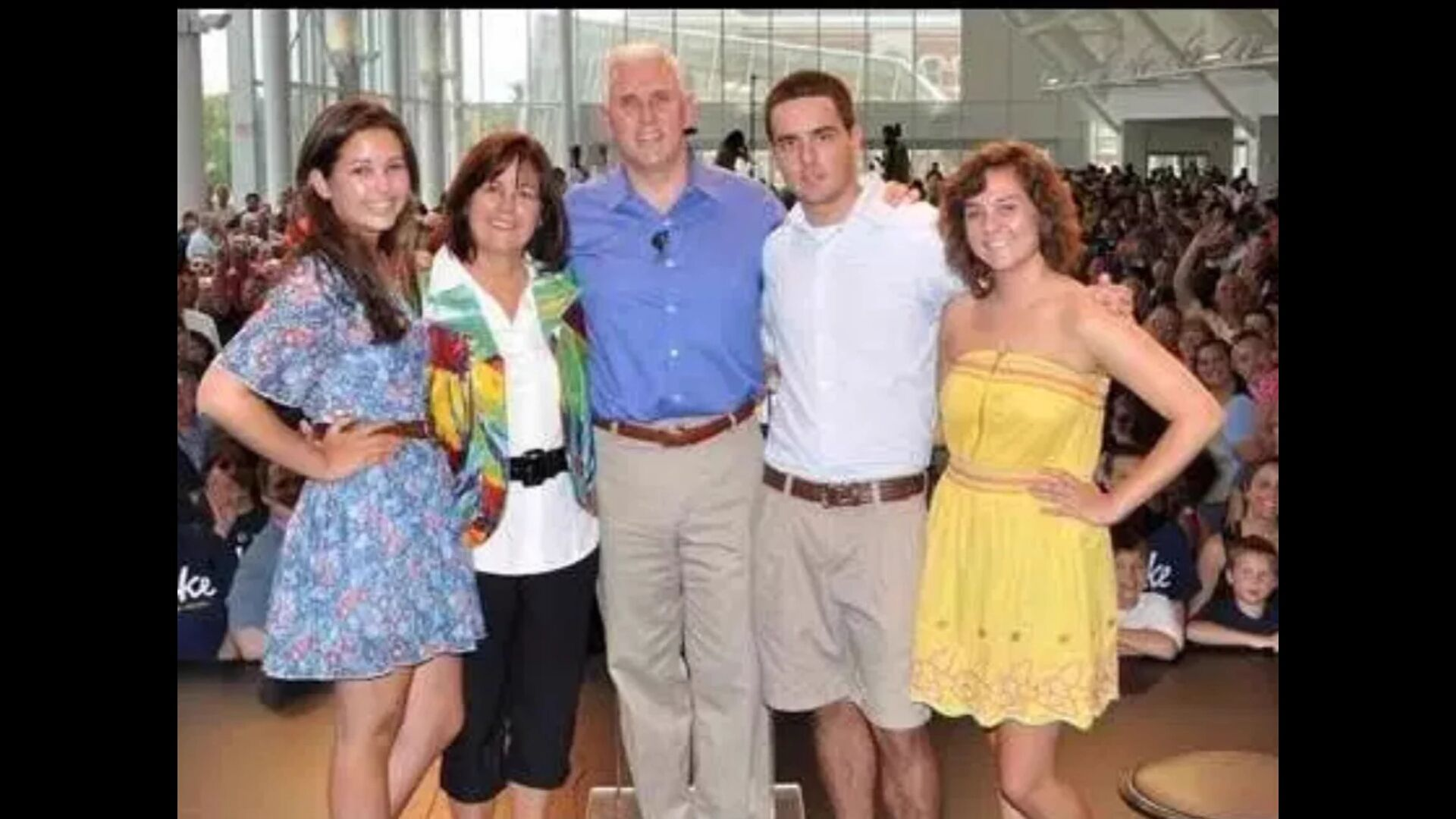 Mike Pence Wife & Family: Pics & Quick Facts You Should ...