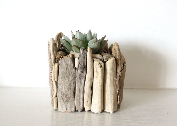 cache pot en bois flott sur etsy. Black Bedroom Furniture Sets. Home Design Ideas
