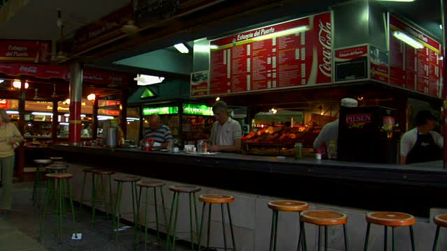 fast-food-restaurants-in-del-puerto-market-montevideo-uruguay - fast food restaurant resume
