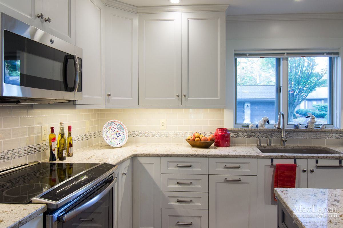 MOUSER CABINETRY CENTRA KITCHEN PAINTED WHITE LINEN Centra Line