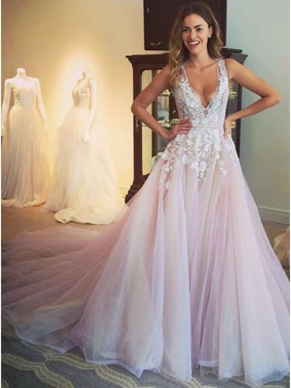 Glamorous Lilac V-Neck Sleeveless Sweep Train Appliques Prom Dress 478065d6d575