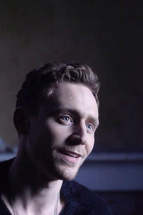 I pinned this because... Tom Hiddleston.. that's why!! <3 <3