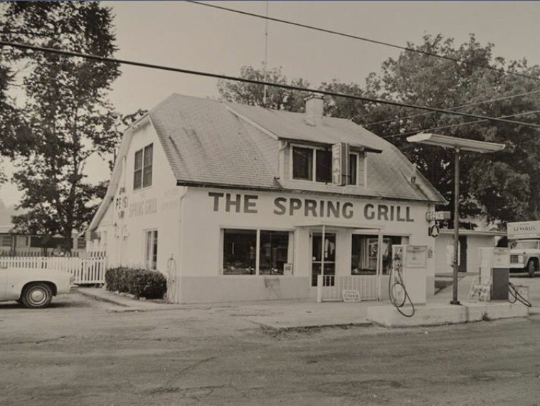 Spring Grille 1974 Dover, TN
