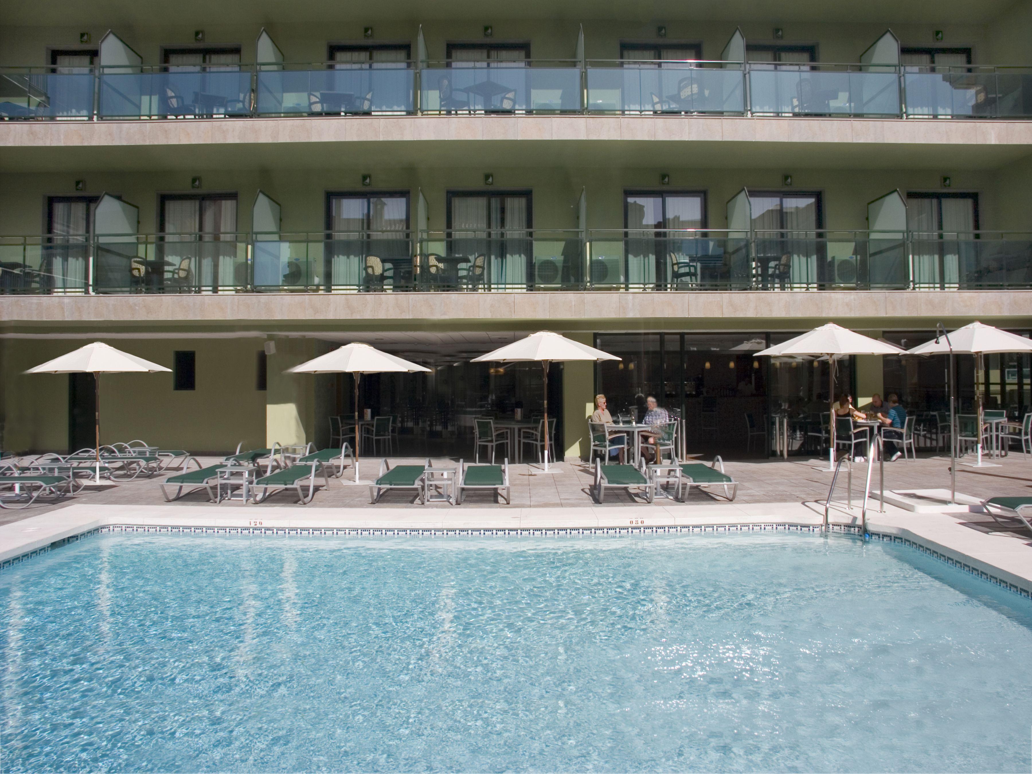Plan para este fin de semana: desconecta dos días y disfruta del sol y del calor en el #HotelFloridaSpa en #Fuengirola #Malaga ! #Wonderbox #Wonderplan #Desconectadosdias #MileUnasNochesdeEnsueño