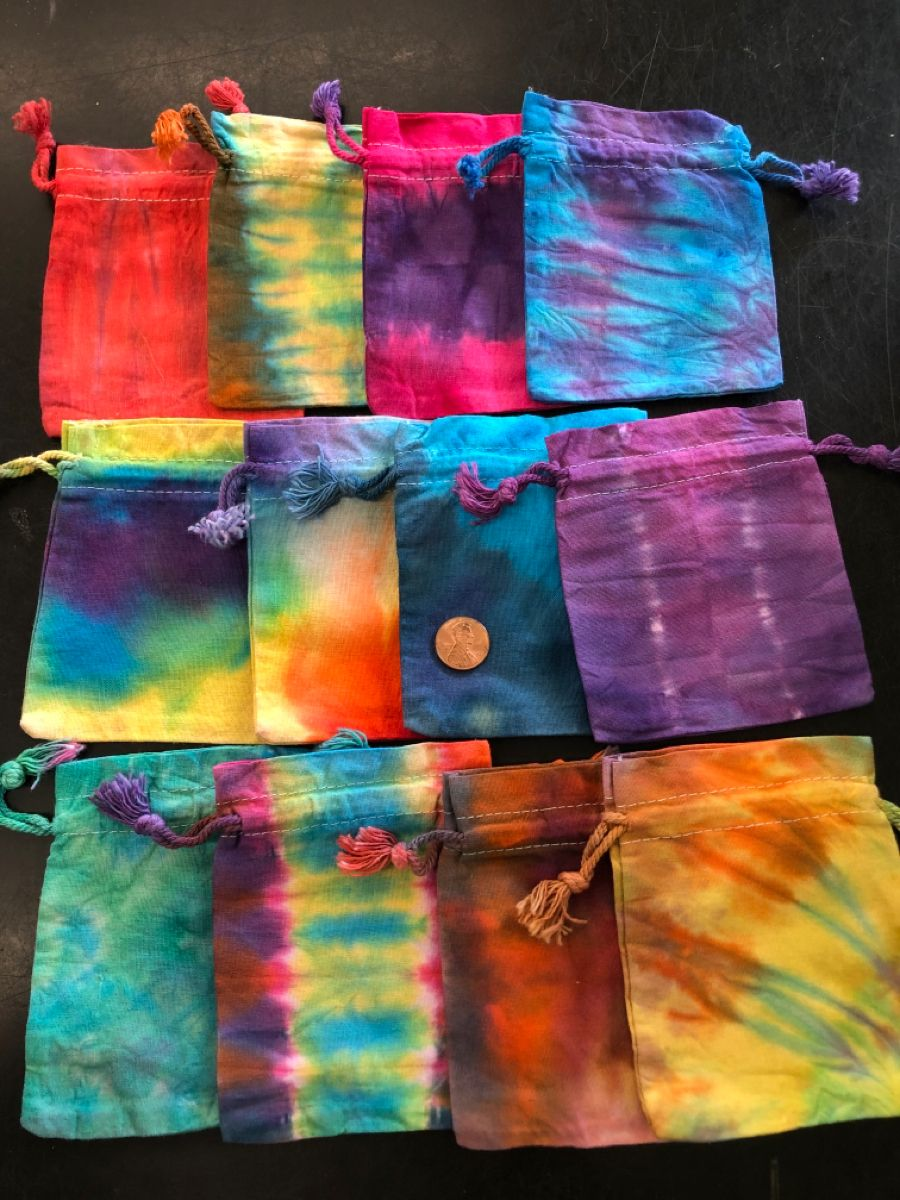 NEW #MASKS! ✨ NEW POUCHES! ✨ LOCAL ARTWORK! ✨ SO MANY RAINBOWS! 😍 #tiedye #localart #art #artwork #rainbow #mask #maskup #connecticut #colorful #color