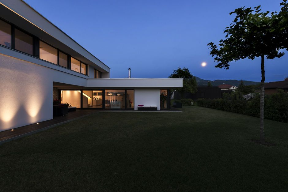 Einfamilienhaus# Rankweil# modern Massivbau# L Form moderne ...