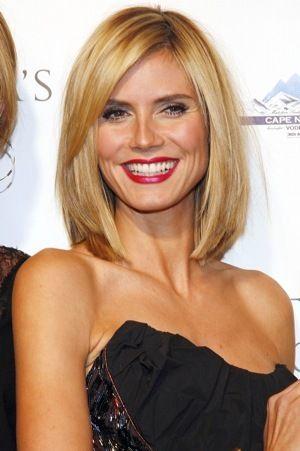Star Style Heidi Klum S Striking Look Stylebakery Hair Styles Heidi Klum Hair Medium Hair Styles