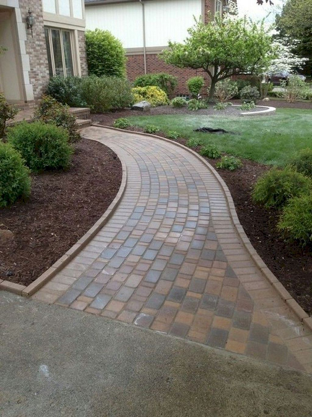 65 Stunning Front Yard Pathways Landscaping Ideas - homixover.com #walkwaystofrontdoor